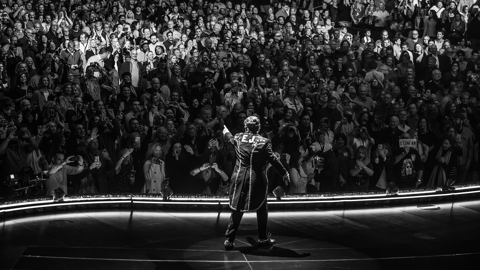 Elton-John-on-stage-new-orleans_show_credit-rocket-entertainment-ben-gibson