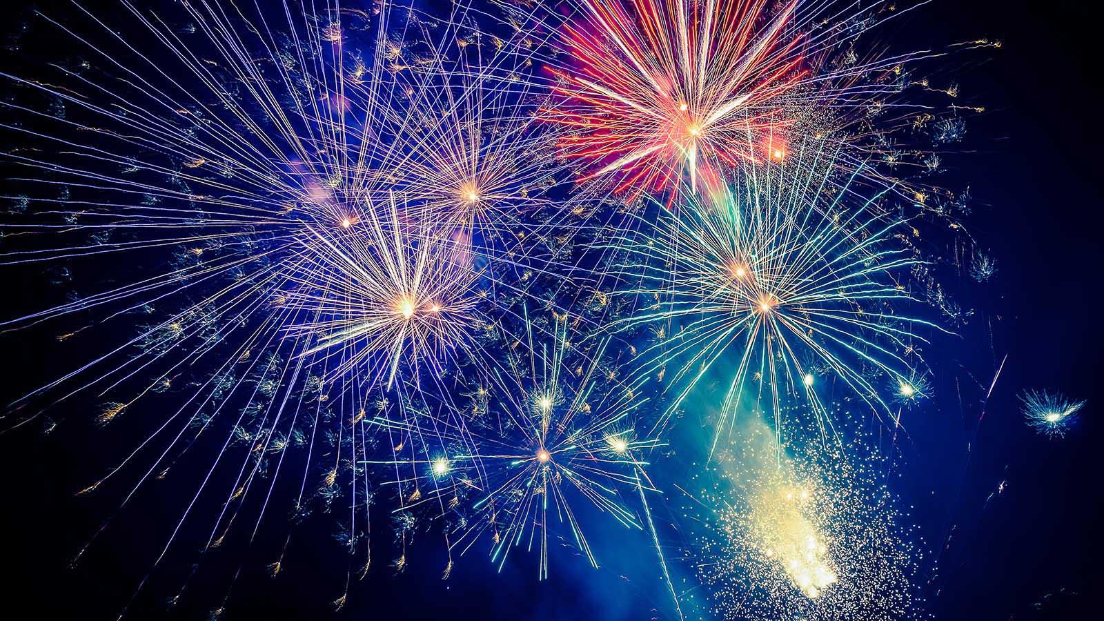 Six beautiful New Year's Poems