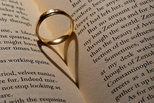thirteen books about love