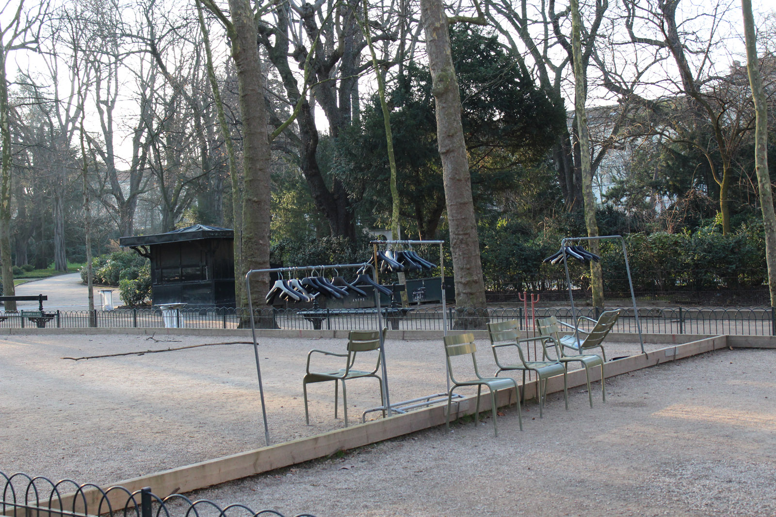 coat-stands-chairs-park-paris-alicia-drake