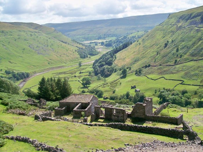 ruins of a swaledale mine