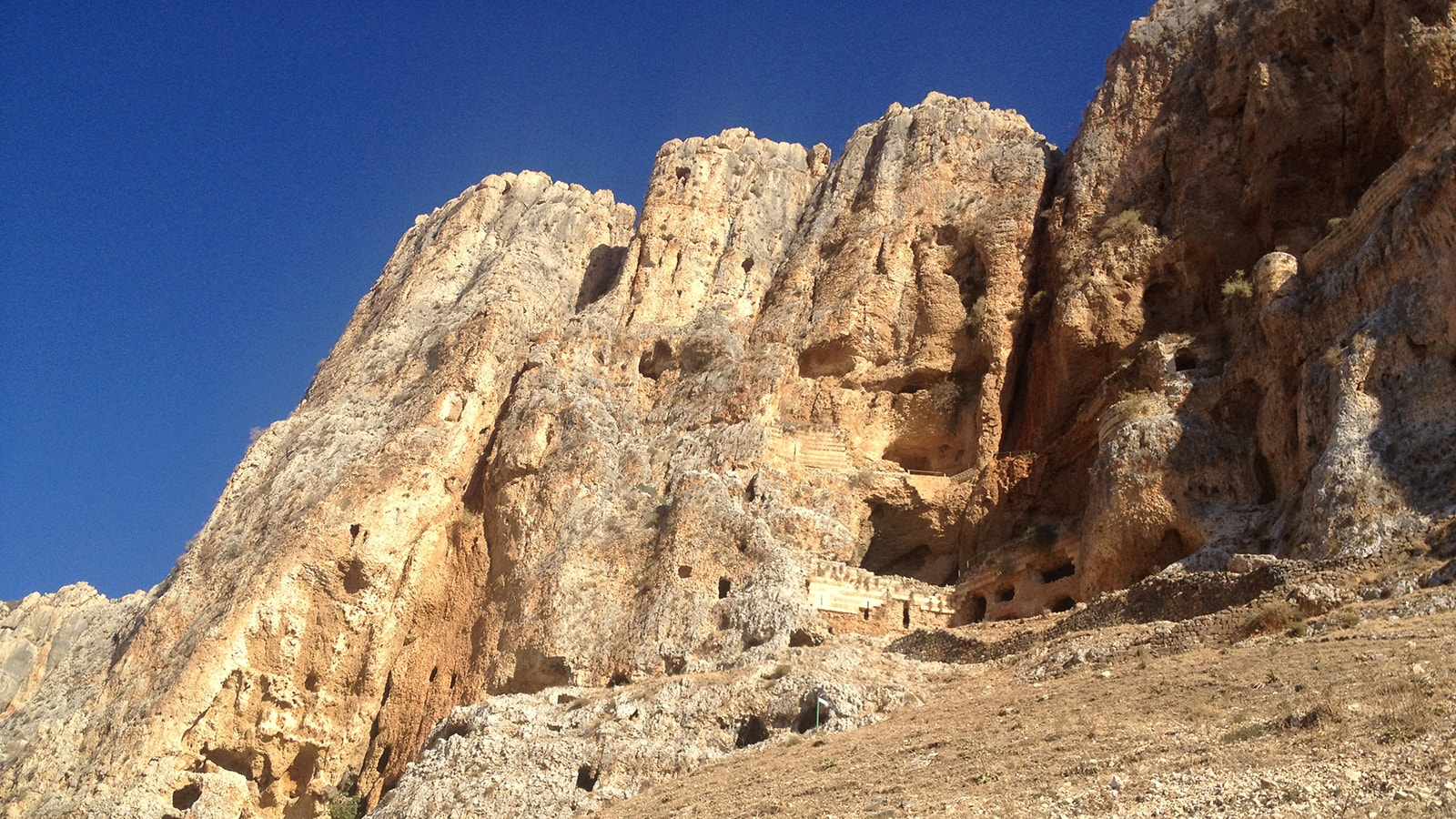 Guy-Stagg-The-Crossway-caves-Upper-Jordan