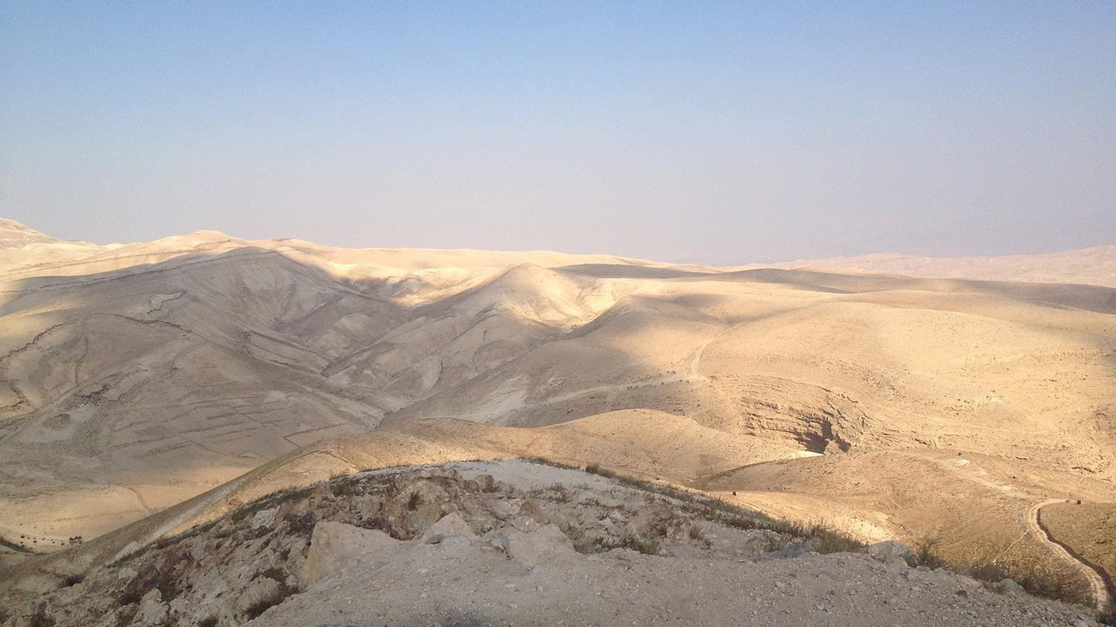 Guy-Stagg-The-Crossway-Judean-Desert