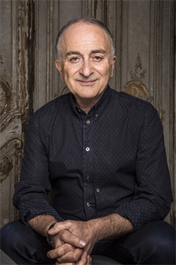 Tony Robinson at St James Hawkey Hall